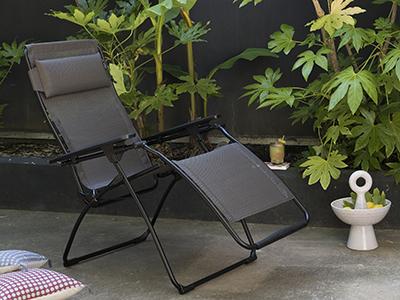 Welches Material sollte man für witterungsbeständige Gartenmöbel wählen?